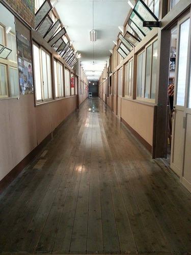 みどりの時計台 旧川口小学校 ながーーーーーい廊下