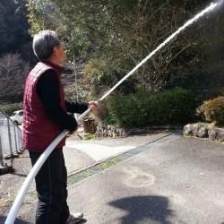 消火栓を使って実際に水も出して、持ってもみました。